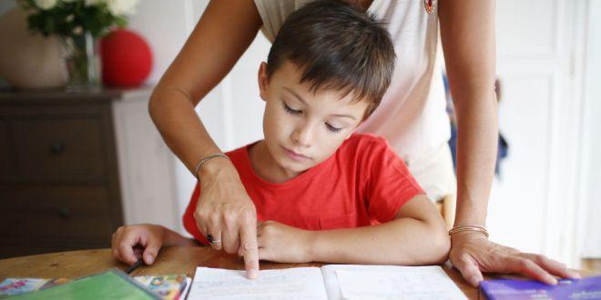 landscape-1440517730-mom-son-homework-ghk