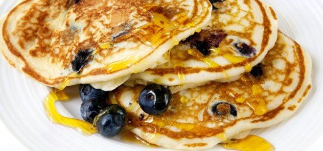 blueberry-pancake-day-e1447856944880-808x380