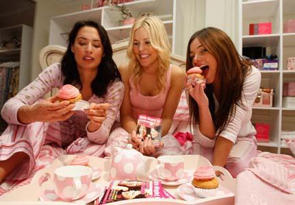 girls-night-in_431x300