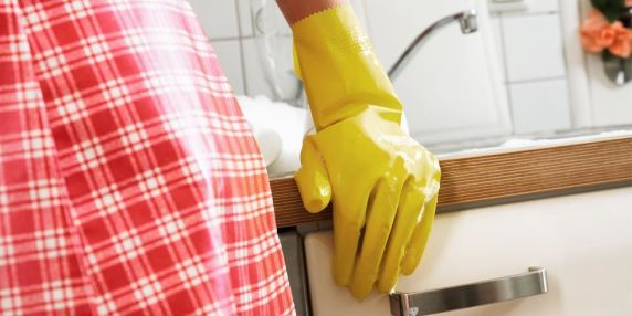 gallery-1456781837-index-kitchen-cleaning-wrong