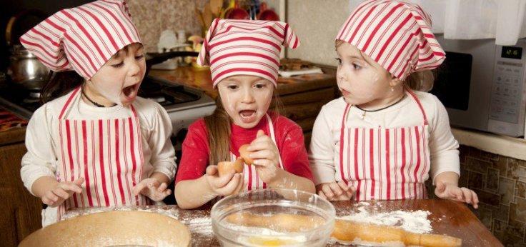 bake-for-family-fun-month-1-e1451643664240-808x380